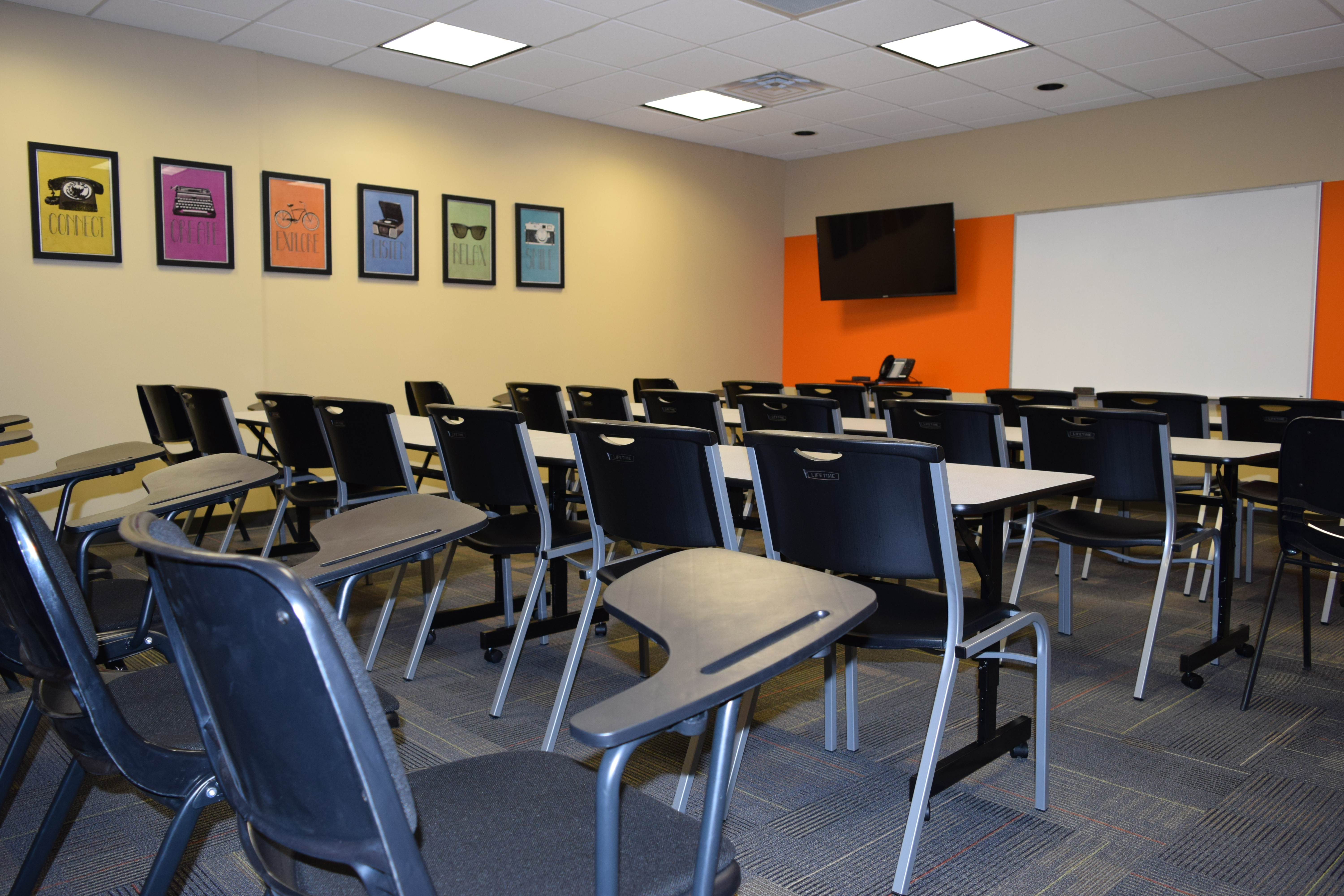 Nashville office space meeting training room for rent for Interior design office nashville